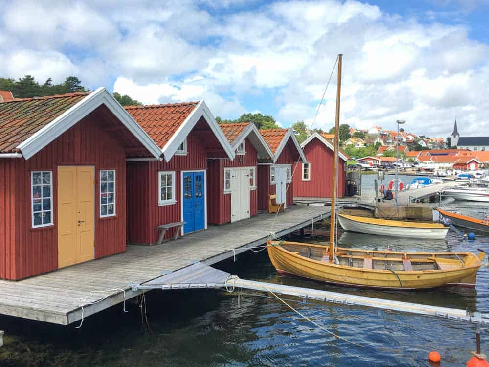 Kleurige houten huisjes langsheen de Zweedse westkust.
